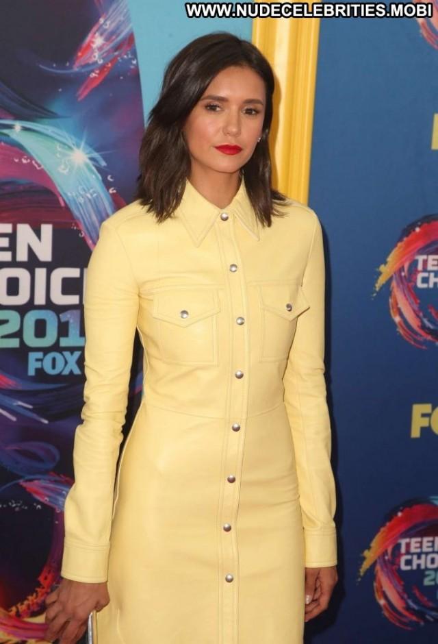 Nina Dobrev No Source Celebrity Babe Posing Hot Awards Paparazzi