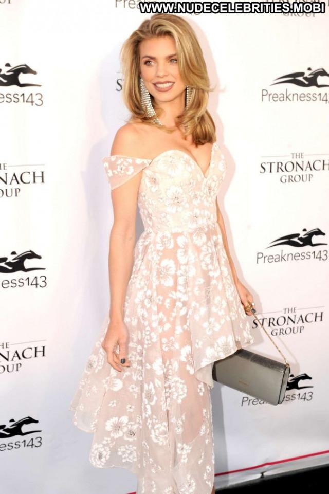 Annalynne Mccord No Source Babe Paparazzi Celebrity Posing Hot