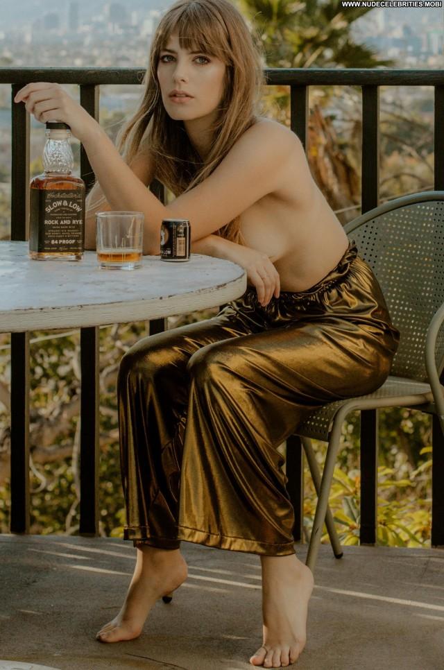 Emily Labowe No Source Sex Posing Hot Big Tits Babe Jordan Bus