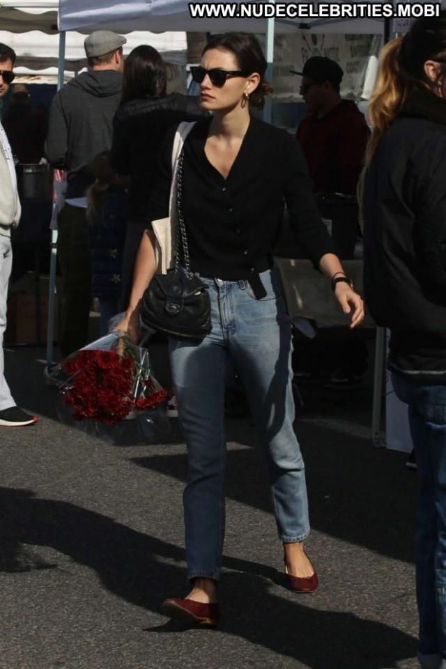 Phoebe Tonkin Farmers Market Babe Beautiful Farmer Celebrity
