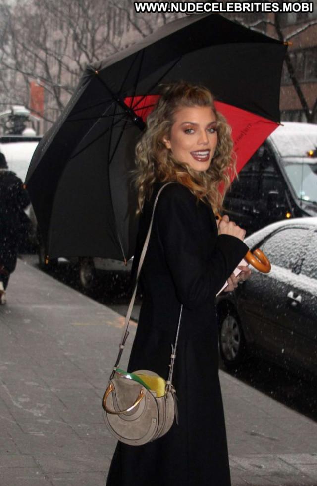 Annalynne Mccord New York New York Beautiful Paparazzi Posing Hot