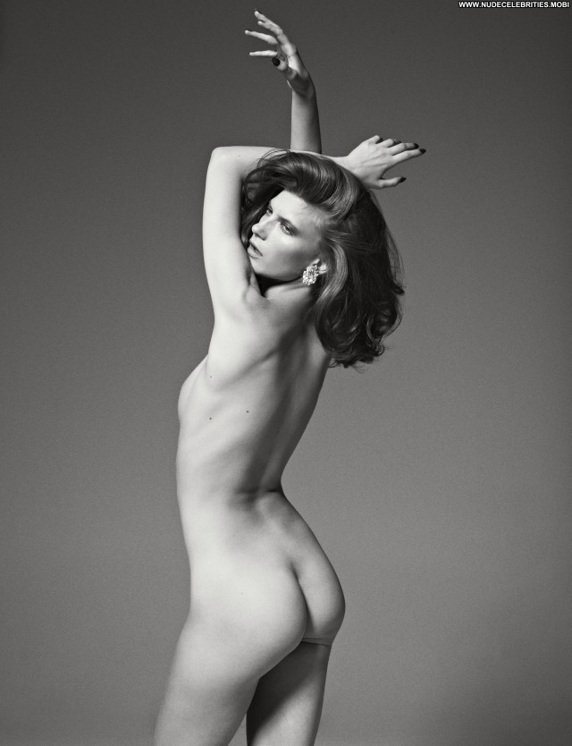 Valerija Kelava Paris Celebrity Posing Hot