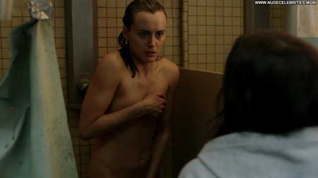 Taylor Schilling Orange Is The New Black Celebrity Posing Hot Famous