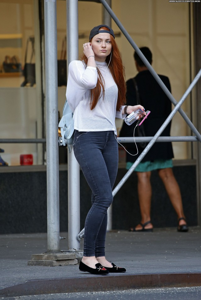 Sophie Turner The Street New York Beautiful Celebrity Posing Hot Babe