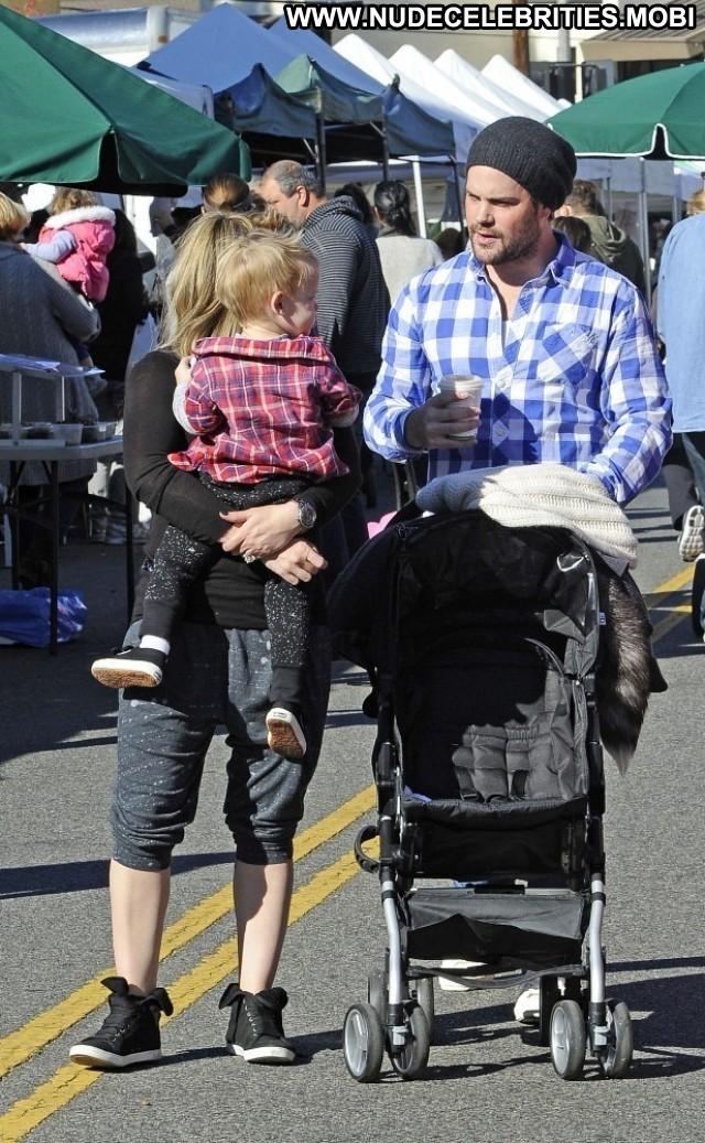Hilary Duff Farmers Market Posing Hot Celebrity Beautiful Babe High
