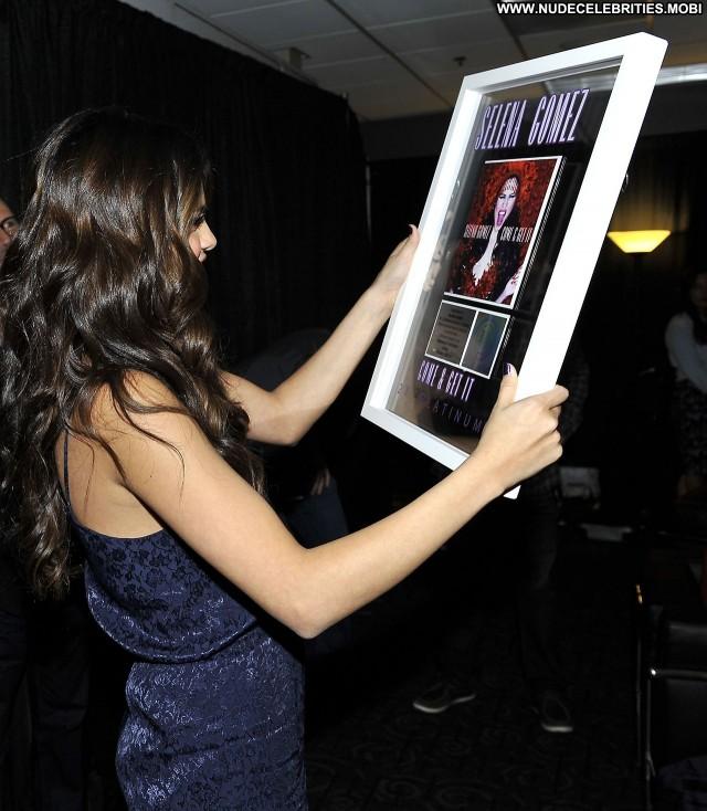 Selena Gomez Los Angeles Celebrity Posing Hot Babe Los Angeles High