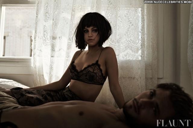 Selena Gomez Magazine  Beautiful Posing Hot Magazine Celebrity High