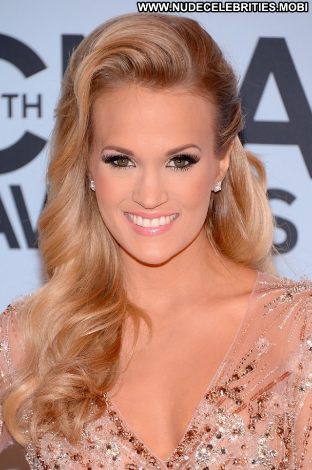 Carrie Underwood Cma Awards Babe Beautiful High Resolution Celebrity