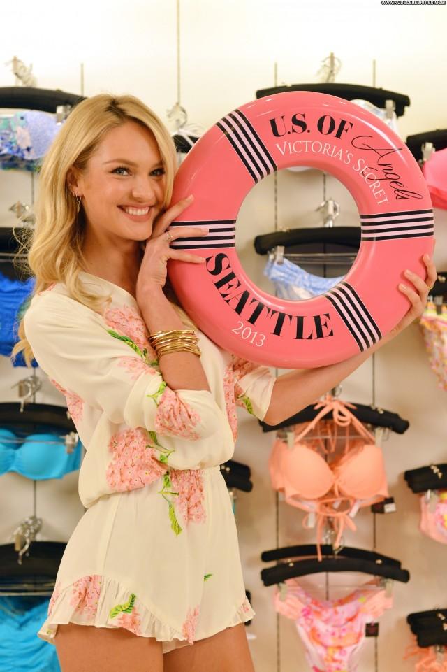Candice Swanepoel No Source Posing Hot Summer Celebrity Babe