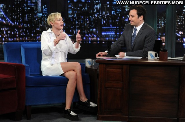 Miley Cyrus Late Night With Jimmy Fallon Nyc High Resolution