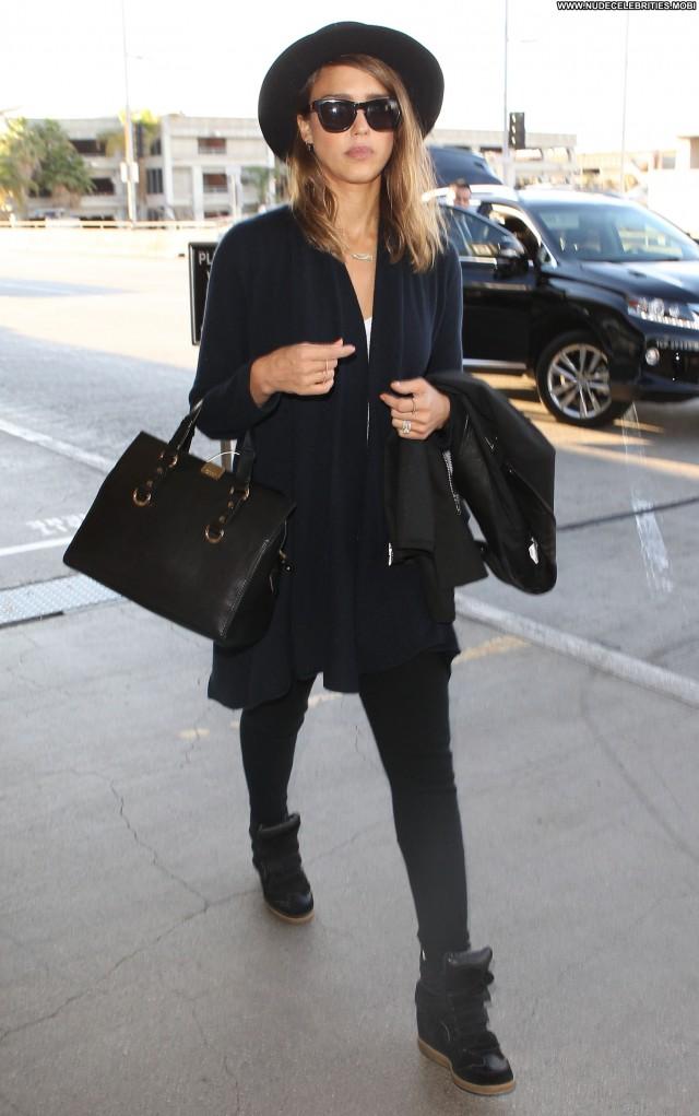 Jessica Alba Lax Airport High Resolution Celebrity Posing Hot Candids