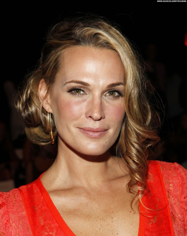 Molly Sims Posing Hot Celebrity Beautiful Nyc Babe High Resolution