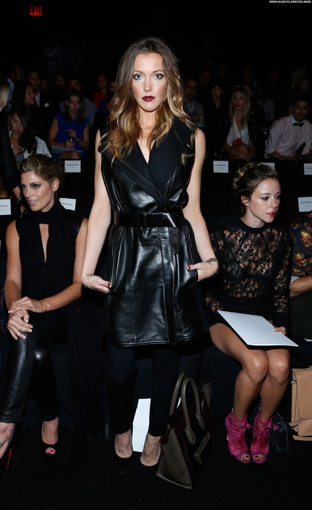 Katie Cassidy Fashion Show Fashion Beautiful Posing Hot Babe New York