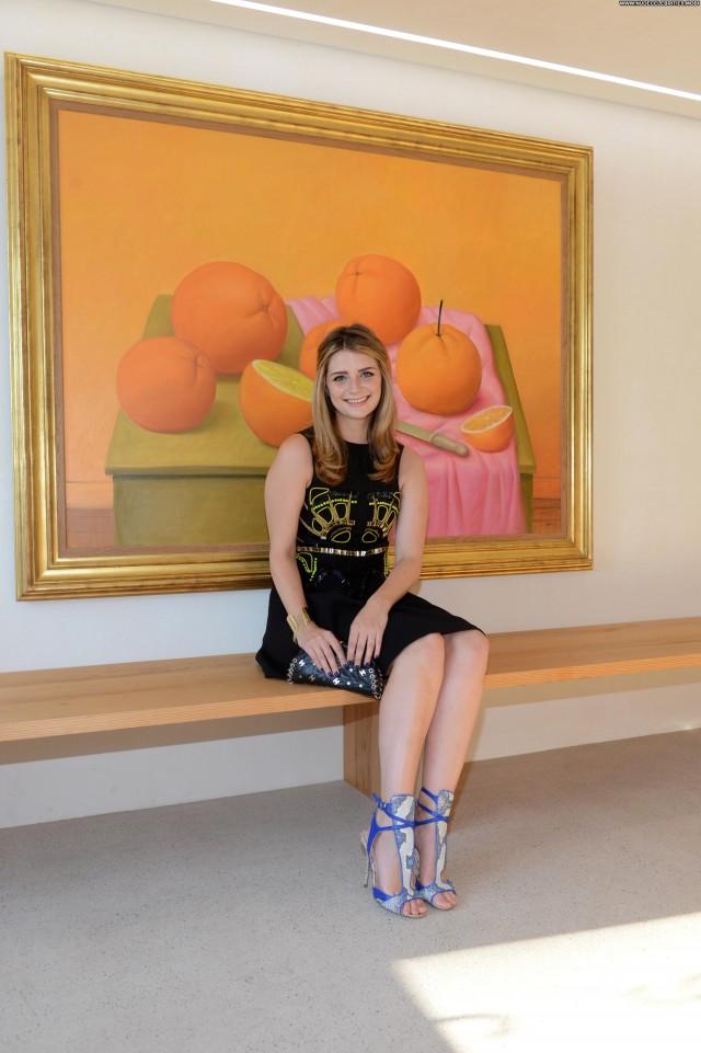 Mischa Barton Exhibition Babe Beautiful High Resolution Posing Hot
