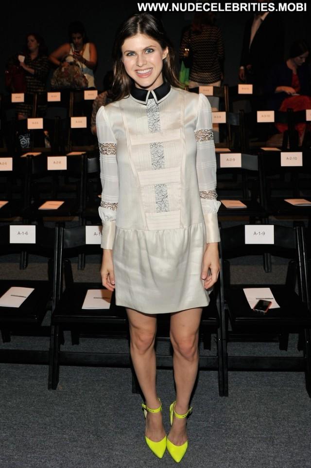 Alexandra Daddario Fashion Show High Resolution Fashion Babe