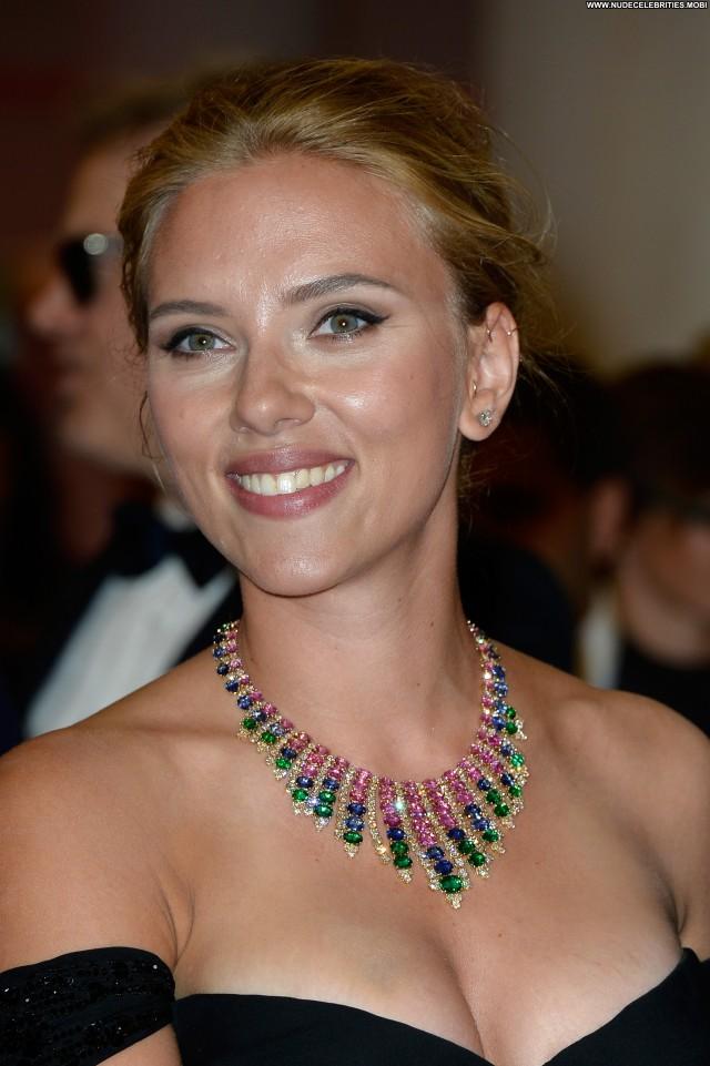 Scarlett Johansson Under The Skin  Celebrity Babe Posing Hot High