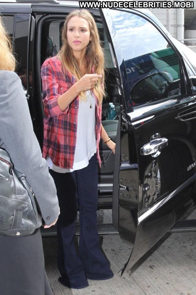 Jessica Alba Lax Airport Beautiful Celebrity High Resolution Posing
