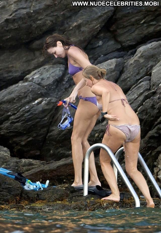 Carla Bruni Posing Hot Ocean Celebrity High Resolution Babe Beautiful