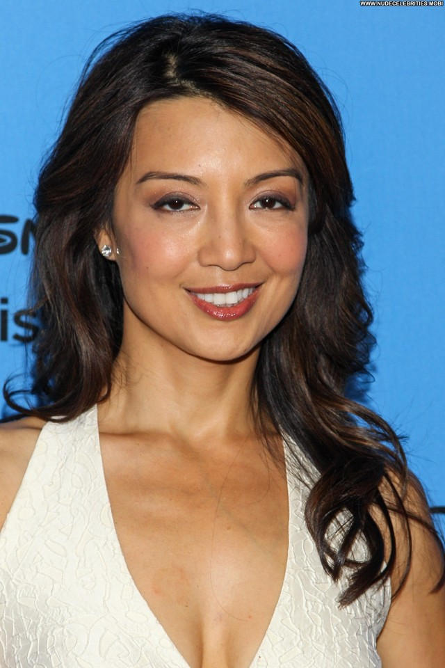 Ming Na Wen No Source Beautiful High Resolution Babe Celebrity Summer