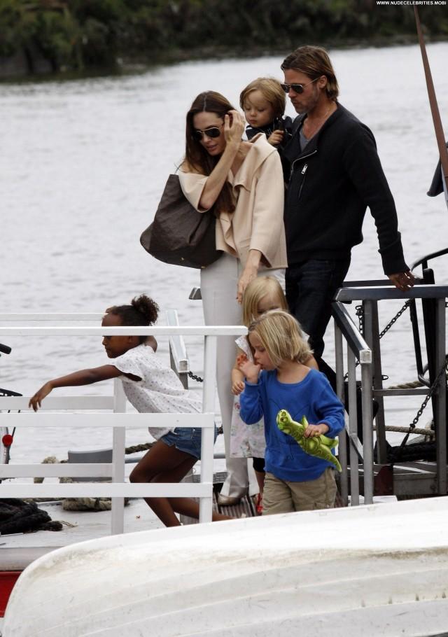 Angelina Jolie No Source Boat High Resolution Beautiful Babe Posing