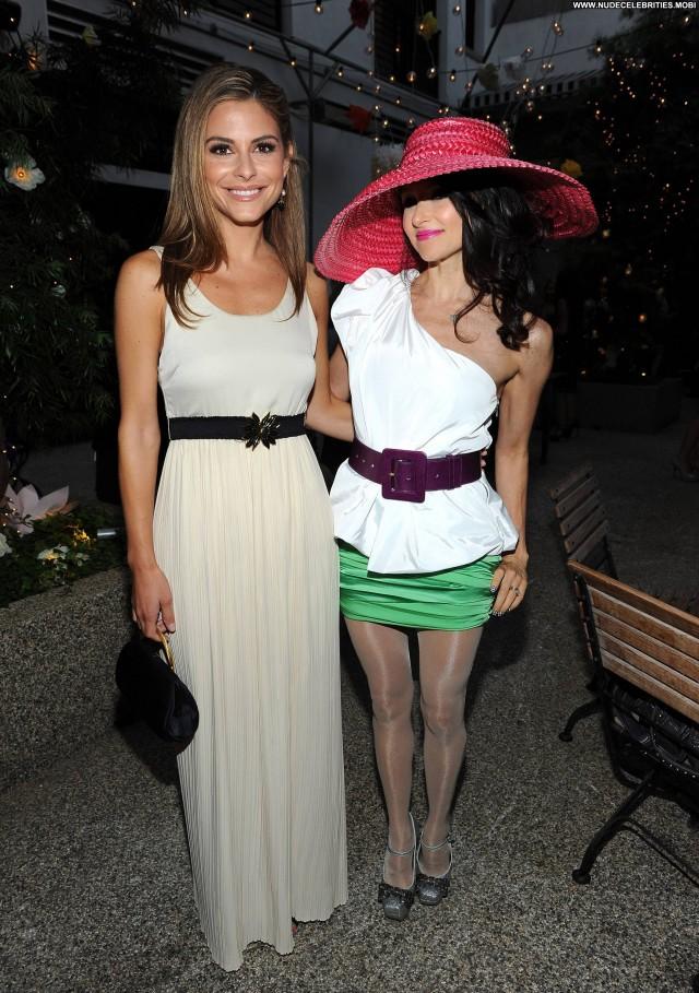 Maria Menounos Posing Hot Celebrity Beautiful Babe High Resolution
