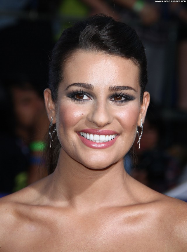 Lea Michele Glee The  D Concert Movie  Posing Hot Babe Concert