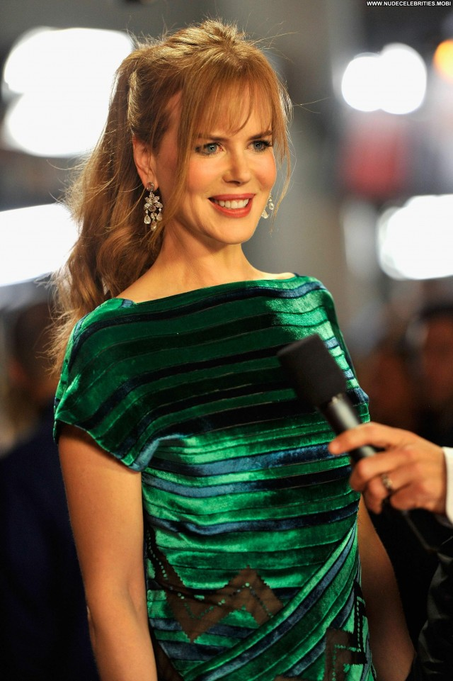 Nicole Kidman Cmt Music Awards Beautiful Celebrity Babe Posing Hot