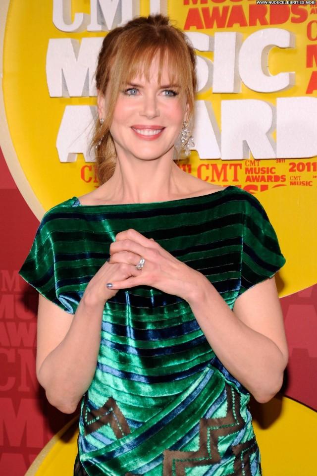 Nicole Kidman Cmt Music Awards High Resolution Posing Hot Celebrity