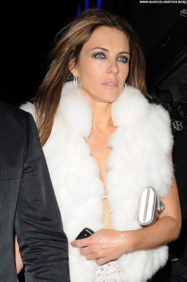 Elizabeth Hurley Elizabeth Babe Posing Hot High Resolution Beautiful