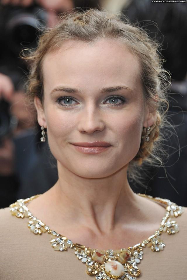 Diane Kruger No Source Posing Hot Celebrity Beautiful Babe Paris