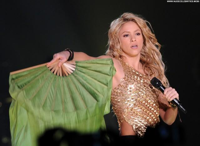 Shakira No Source Stage Paris Concert Celebrity High Resolution Babe
