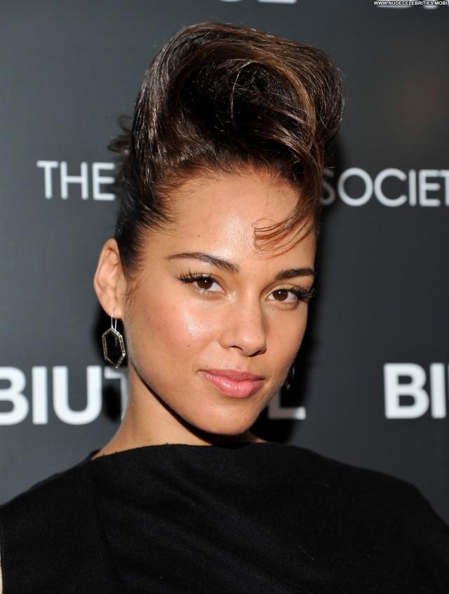 Alicia Keys Biutiful Celebrity High Resolution Posing Hot Beautiful