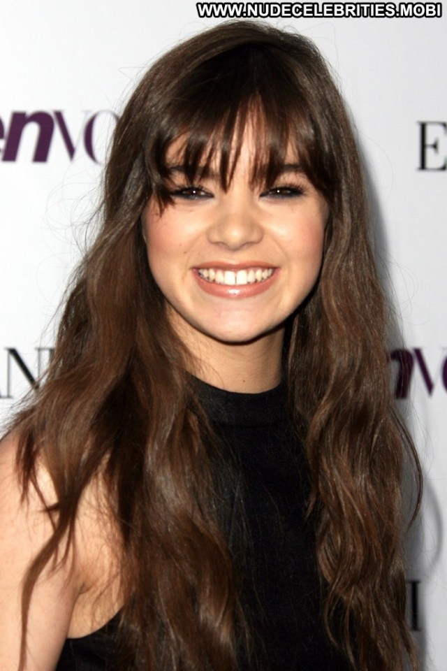 Hailee Steinfeld Los Angeles Party Teen Hollywood High Resolution