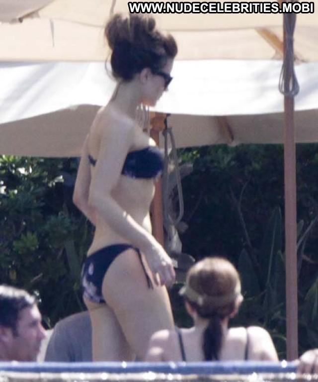 Kate Beckinsale Vacation Bikini Beautiful High Resolution Posing Hot