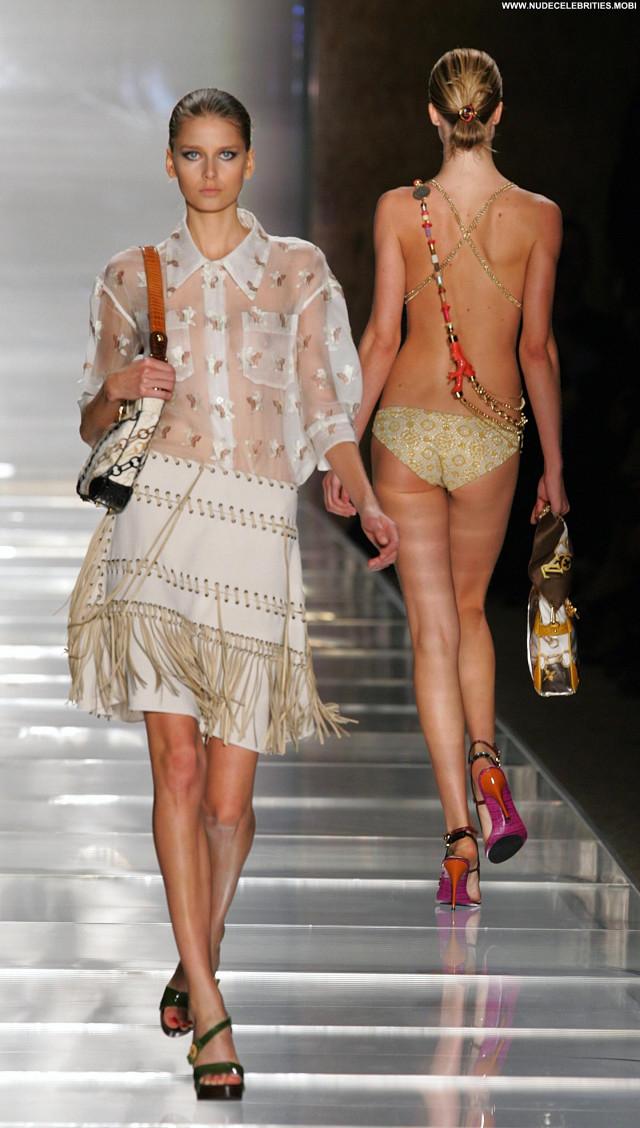 Hana Soukupova Photo Shoot Celebrity Posing Hot Actress Nude Babe