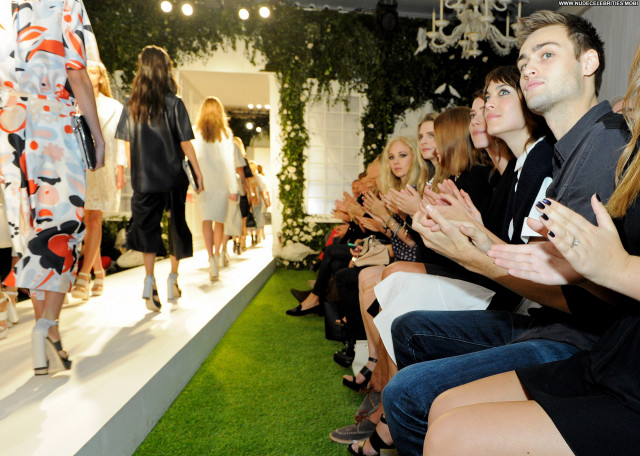 Cara Delevingne Fashion Show Beautiful London Celebrity High