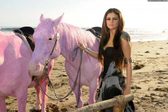 Selena Gomez The Beach Celebrity Beach Babe Malibu High Resolution