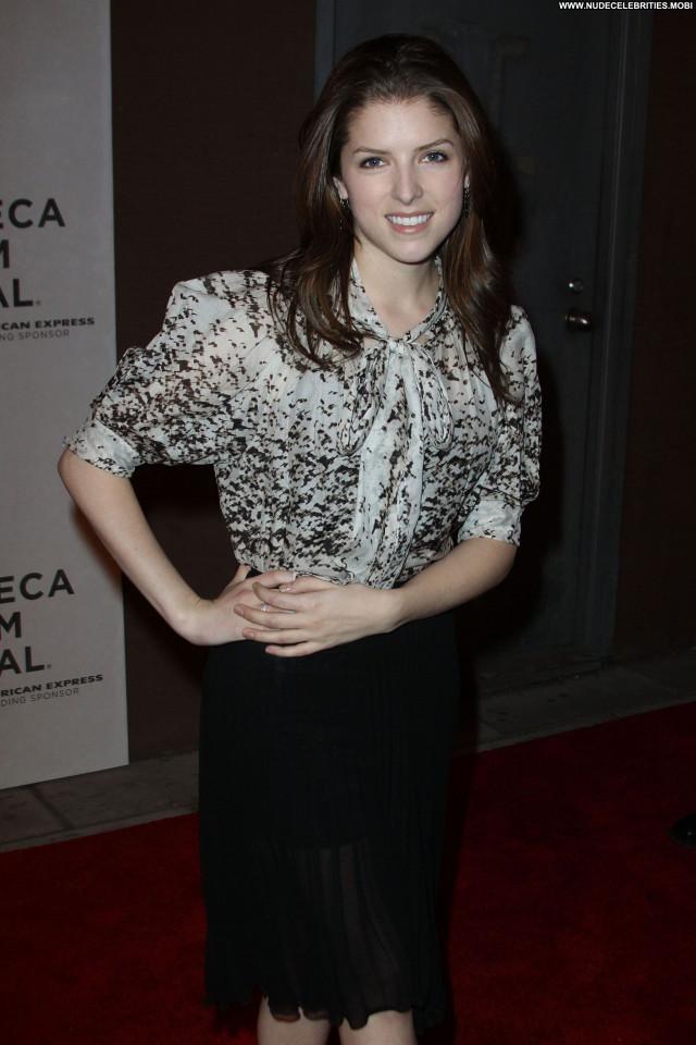 Anna Kendrick Tribeca Film Festival Posing Hot High Resolution Babe
