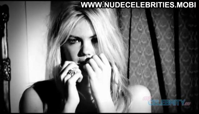 Kate Upton No Source Hot Posing Hot Celebrity Beautiful Babe Usa