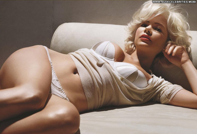 Michelle Williams No Source Posing Hot Actress Babe Beautiful