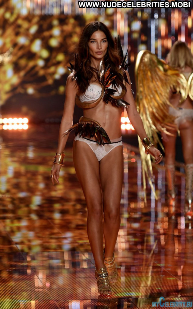 Victoria Victorias Secret Fashion Show Lingerie Fashion Beautiful