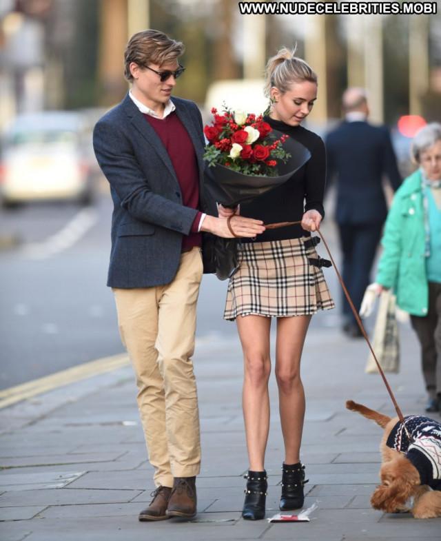 Kimberley Garner No Source London Candids Uk Celebrity Babe Posing