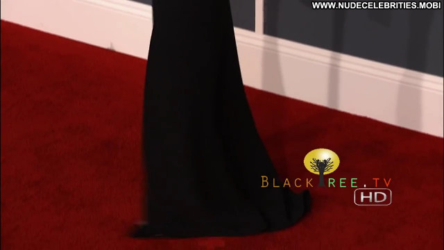 Rihanna The Red Carpet Posing Hot Babe Red Carpet Celebrity Hd Awards
