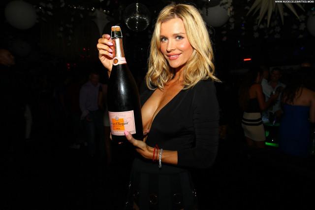 Joanna Krupa Babe Posing Hot Celebrity Beautiful Nude Famous Hot Hd