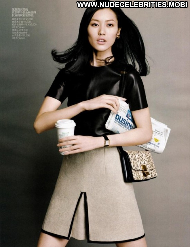 Liu Wen The Victoria S Secret Fashion Asian Posing Hot Magazine Model