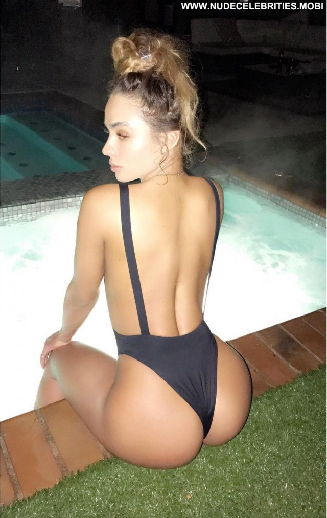 Sommer Ray Fappening Beautiful Celebrity Babe Posing Hot
