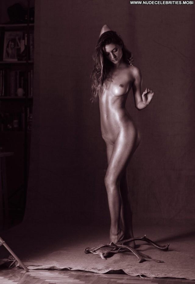 Elizabeth Elam Demetrious Drystellas Celebrity Beautiful Photoshoot