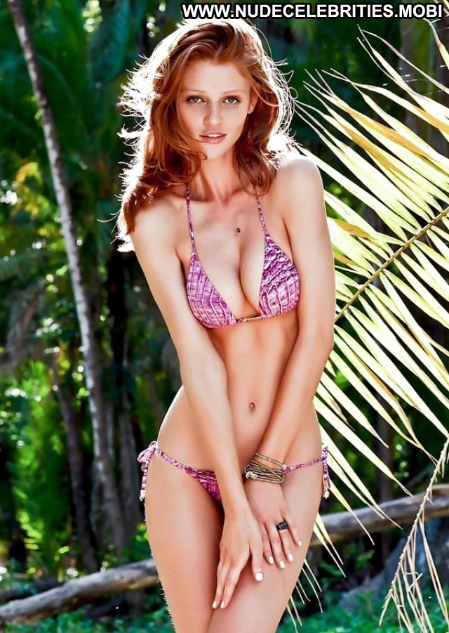 Cintia Dicker Pictures Babe Celebrity