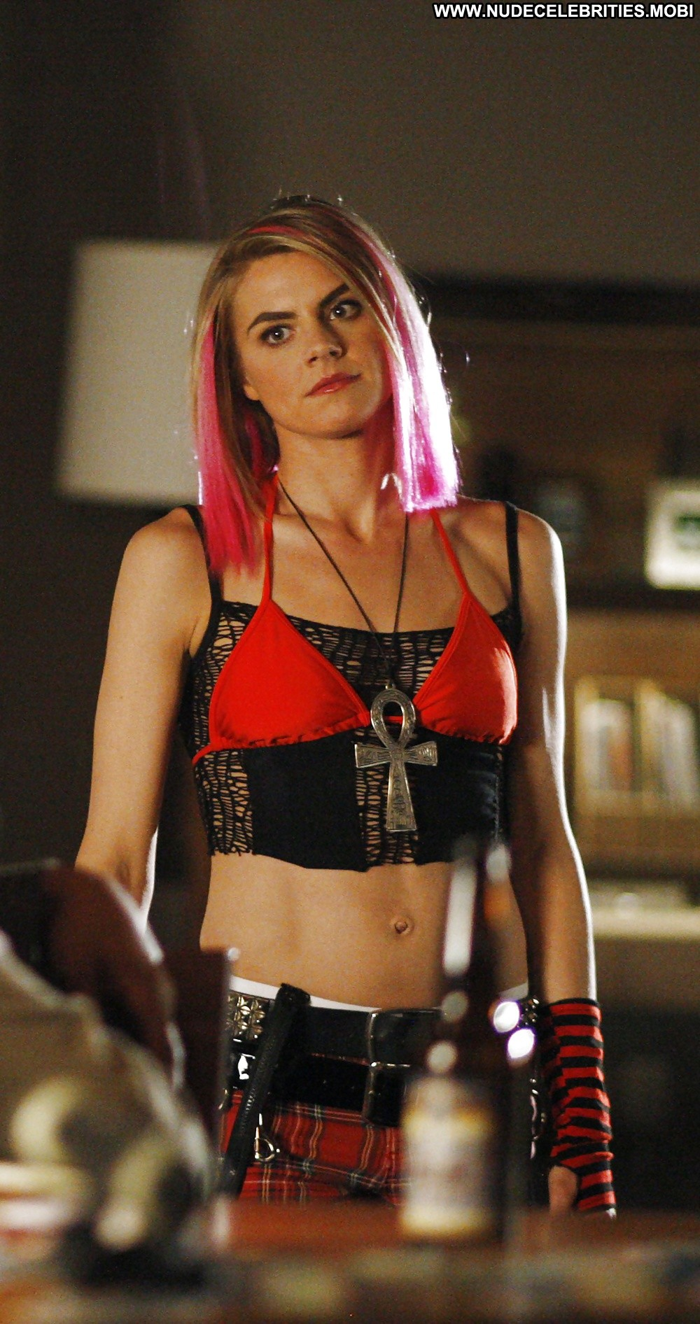 Eliza Coupe Pictures