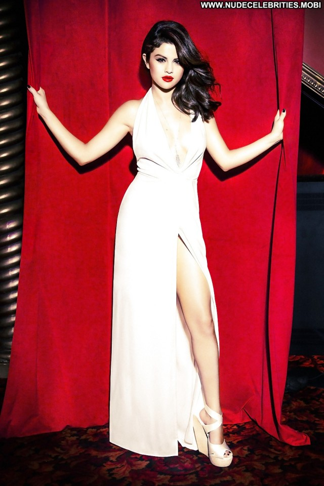 Selena Gomez Babe Celebrity Glamour Photoshoot